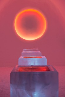 icehotel_a_warm_story_about_a_cold_place_anna_ohlund_john_pettersson_4b-thumb-468x702-50584