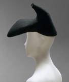 the-famous-shoe-hat-Elsa-Schiaparelli